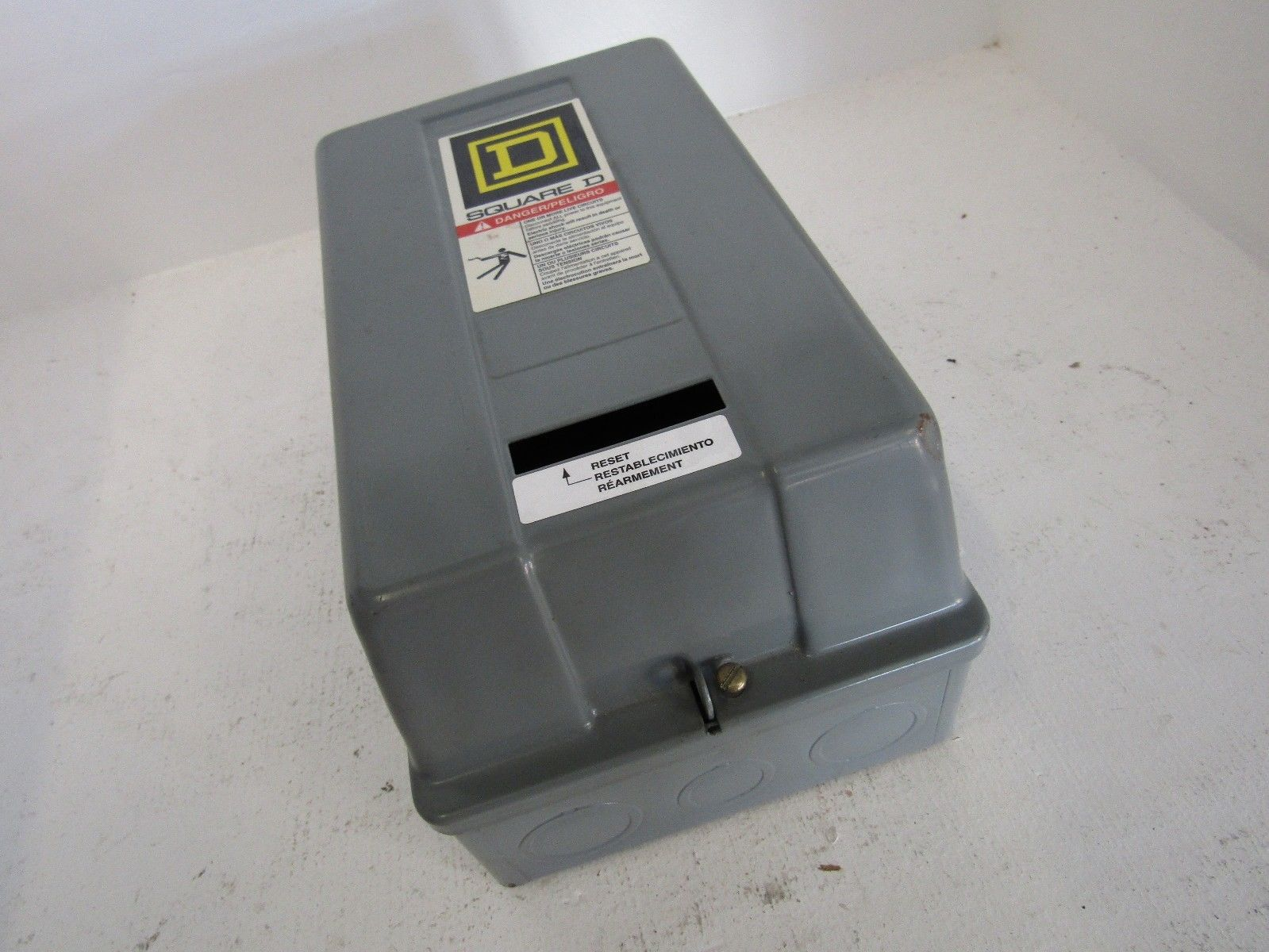 New Square D 8536sbg2sv02 Size 0 Motor Starter N1