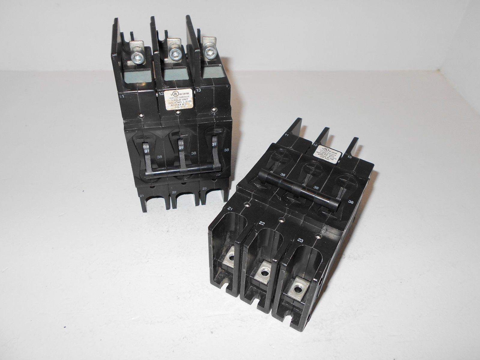 AIRPAX M209 M-209 3 POLE UNIT 38 AMP CIRCUIT BREAKER 209 SERIES 240 ...