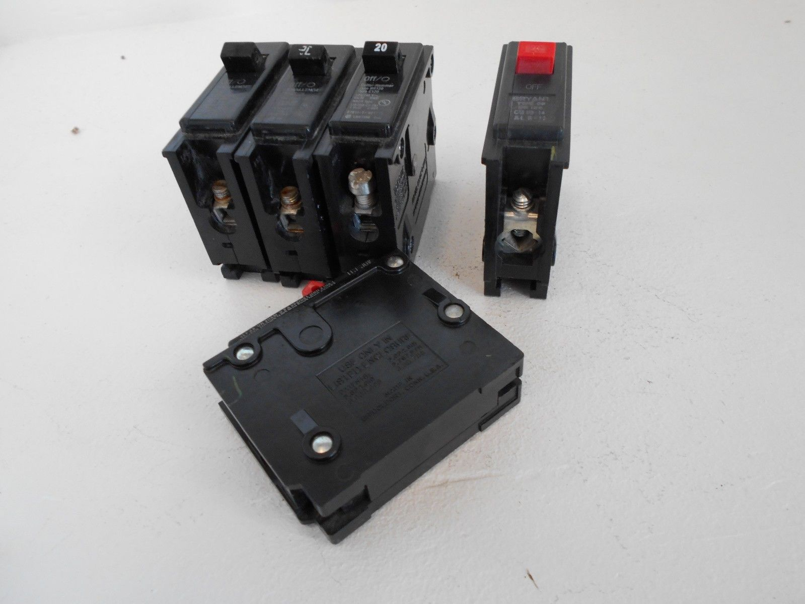 LOT OF 5 CUTLER HAMMER WESTINGHOUSE BR120 STYLE SINGLE POLE 20 AMP ...